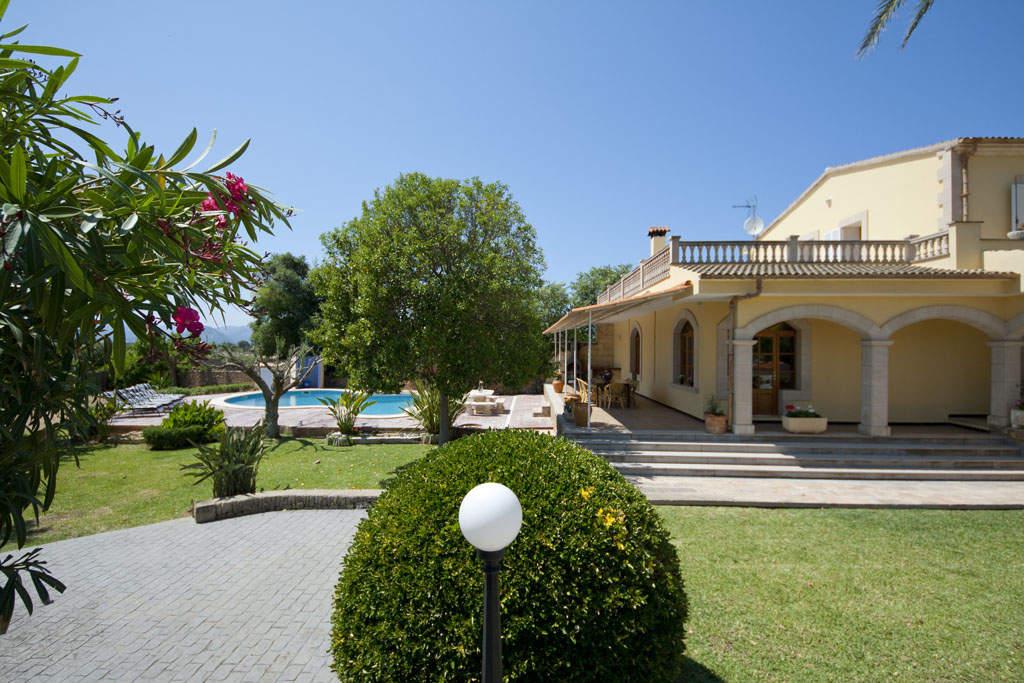 Villa -                                       Alcudia -                                       4 Schlafzimmer -                                       8 Personen